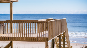 5 Pros and Cons of Living at the Beach Full Time