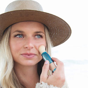 Brush-On sunscreen mineral powder by Colorescience